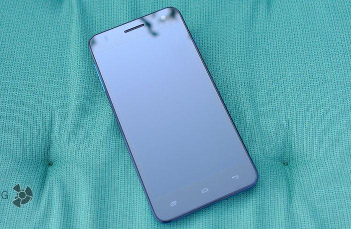 Обзор яркого смартфона из бюджетного сегмента Fly Evo Chic 4 IQ4512