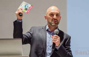 Презентация SanDisk в Москве 03 декабря 2015 года