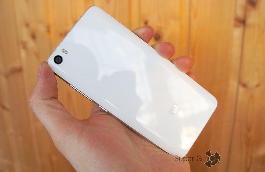 Xiaomi Mi5 белый с глянцевой крышкой