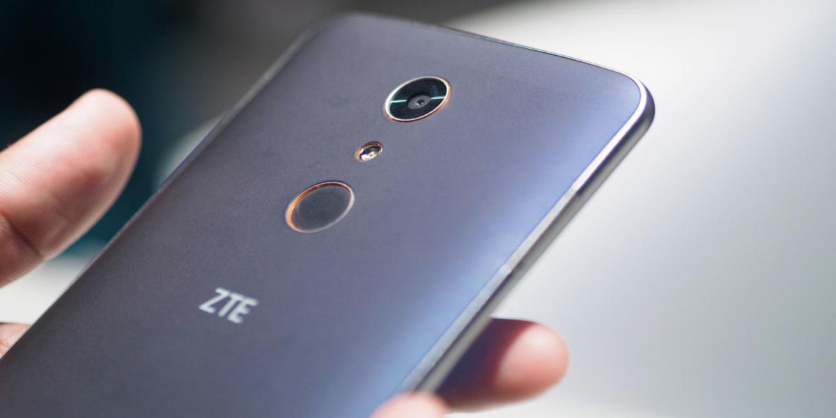 ZTE ZMAX Pro предлагает 6 – дюймовый экран за 99 долларов