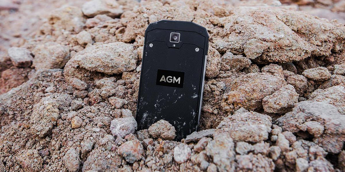 AGM A8 и экскаватор. Кто кого?