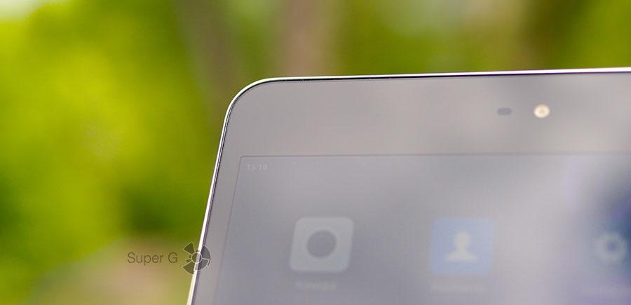 """Защитное стекло дисплея Xiaomi Mi Pad 3 плоское, а металлический кант """"режет"""" руку"""