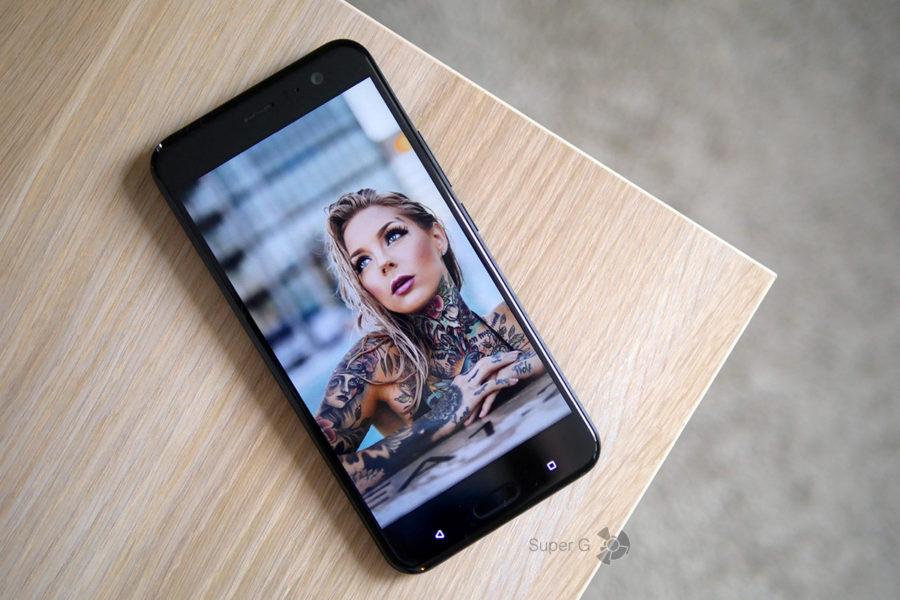 IPS-дисплей (Super LCD) HTC U11