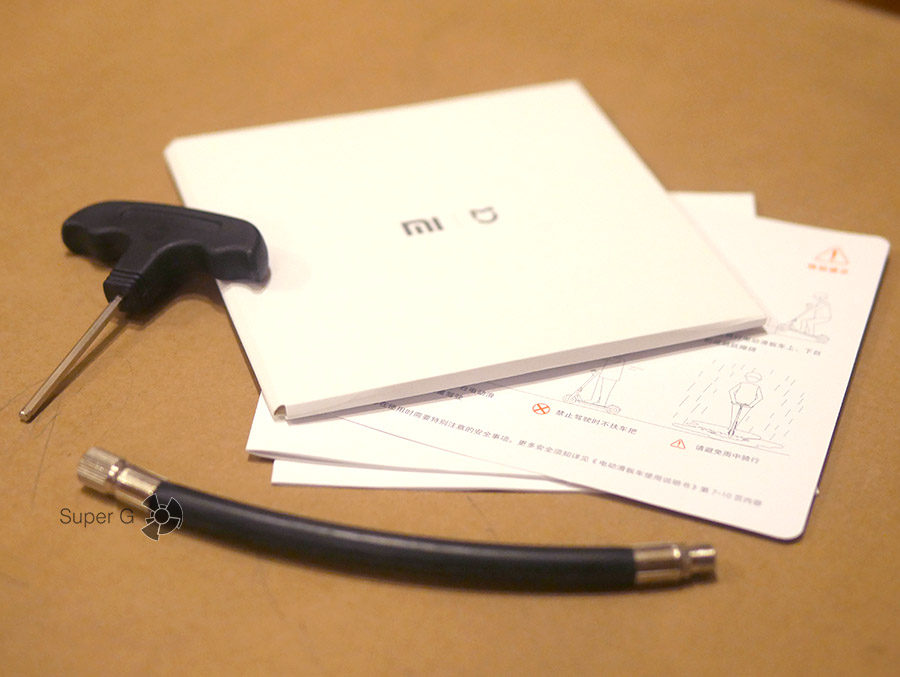 Комплектация Xiaomi Mijia M365