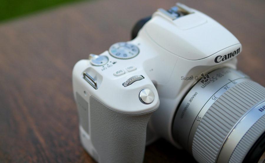 Кнопка спуска затвора и колёсико Canon 200D