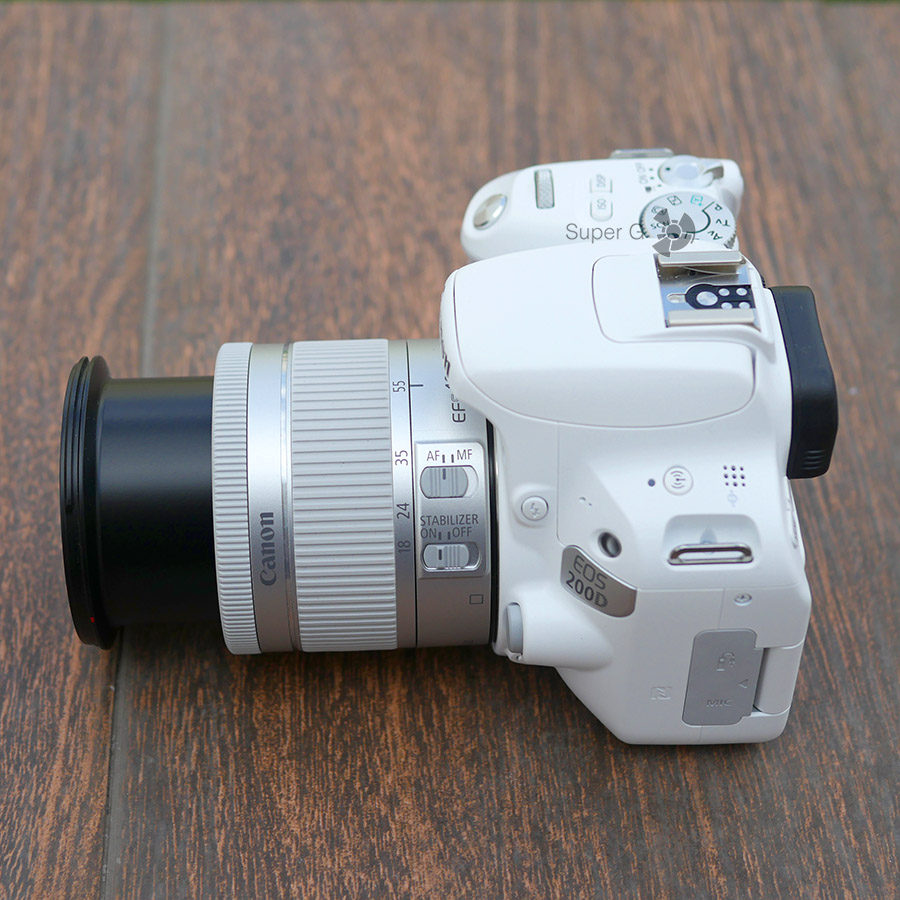 Объектив EF-S 18-55mm f/4-5.6 IS STM для Canon 200D (теле)