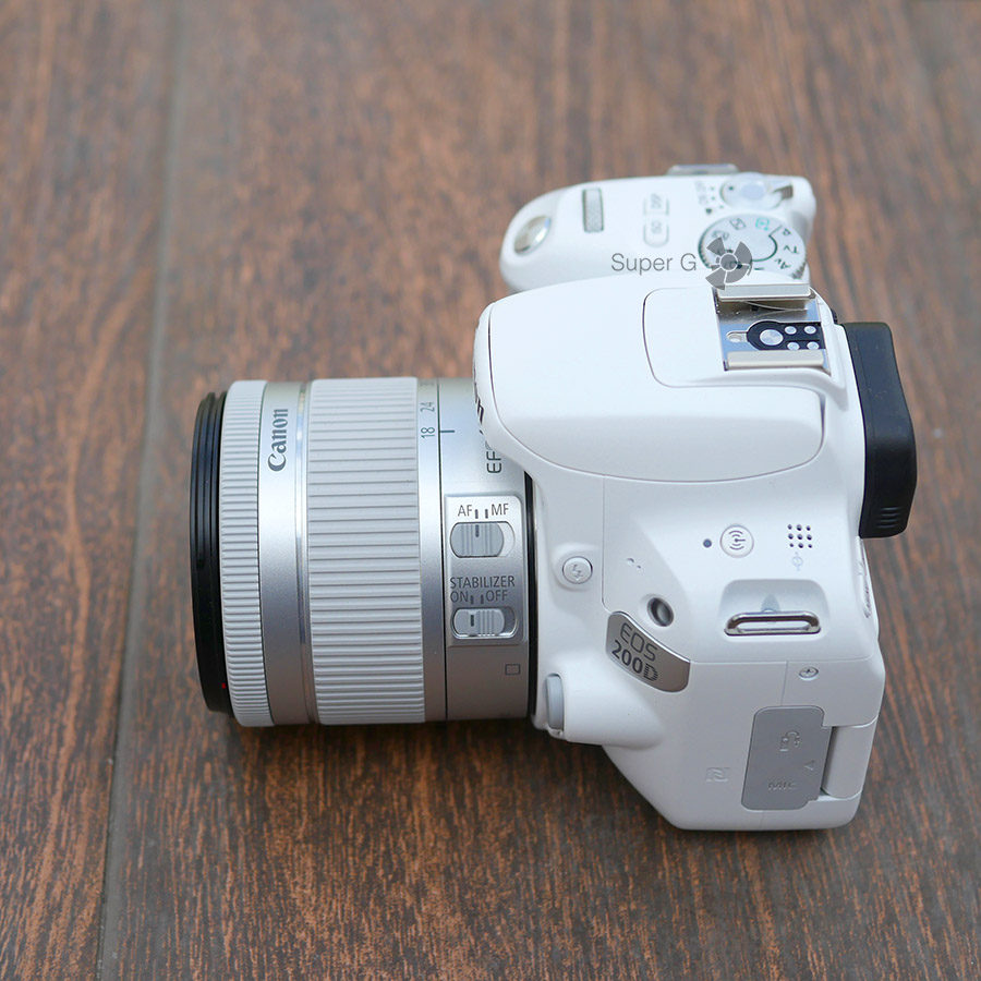 Объектив EF-S 18-55mm f/4-5.6 IS STM для Canon 200D (широкий угол)
