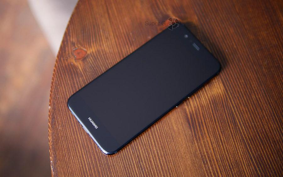Дисплей Huawei Nova 2 в выключенном состоянии