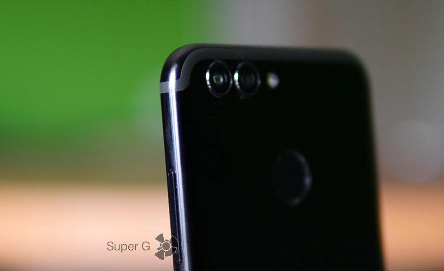 Полоски антенн в Huawei Nova 2 как у iPhone 7