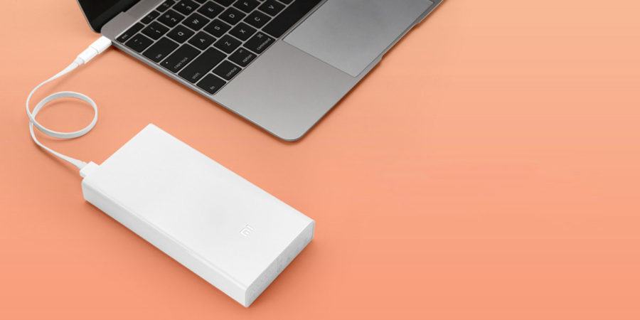 Xiaomi Power Bank 2000 mah умеет заряжать MacBook