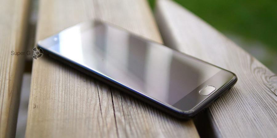 Защитное стекло Gorilla Glass 5 в OnePlus 5