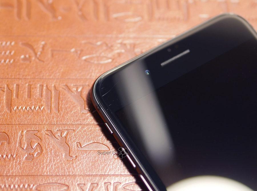 Царапины на дисплее iPhone 8 Plus спусти 1,5 недели использования
