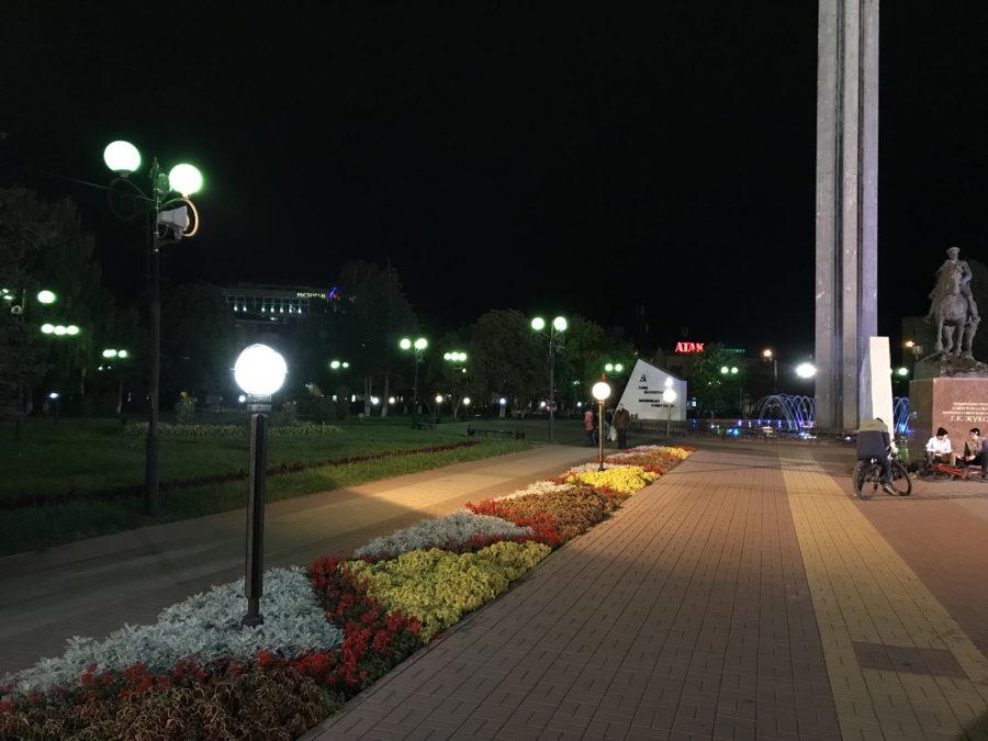 iPhone 7 Plus - пример фото, снятого на основную камеру (ночь)