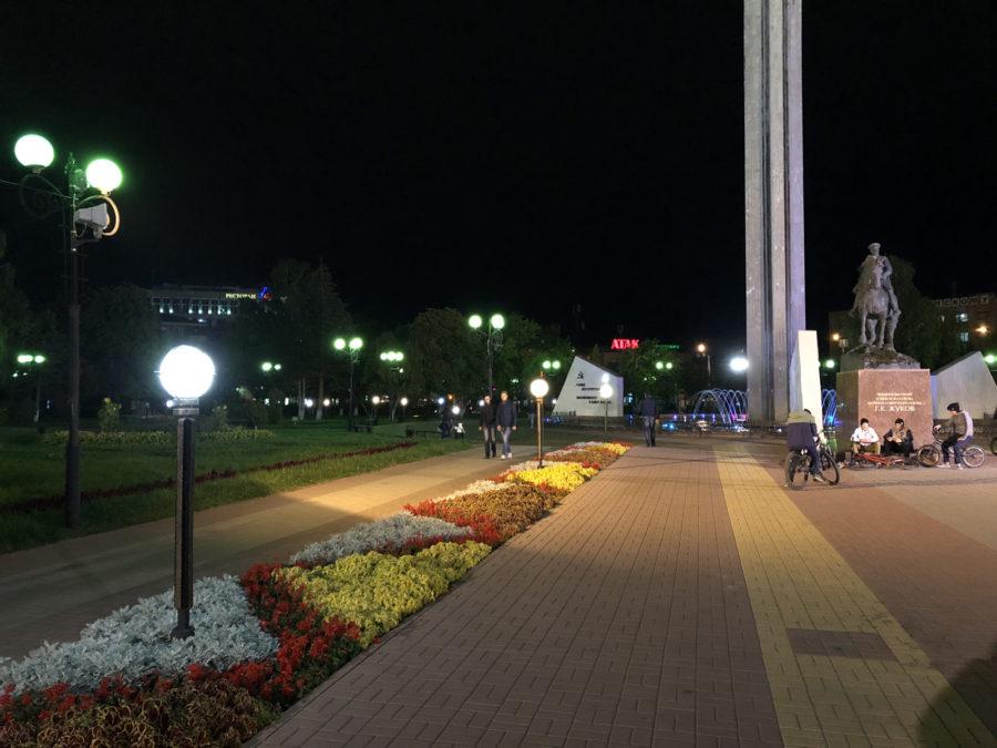 iPhone 8 Plus - пример фото, снятого на основную камеру (ночь)