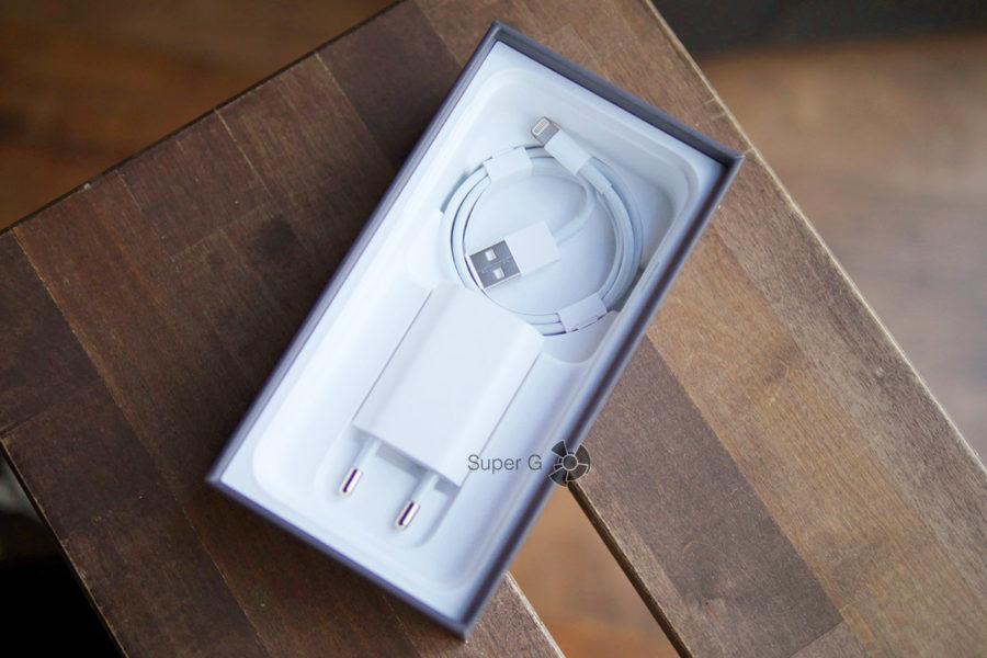 Распаковка смартфона iPhone 8