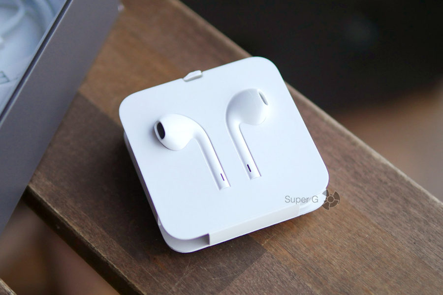 EarPods из комплекта iPhone 8