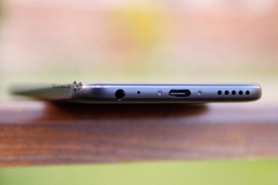 Разъёмы Xiaomi Mi A1 и мультимедийный динамик выше среднего по громкости