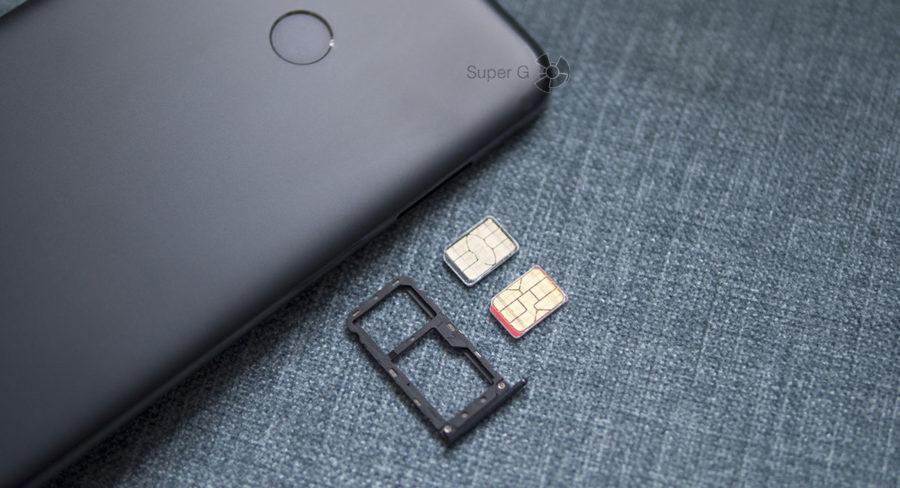 Лоток под две SIM-карты и карточку Micro SD в Xiaomi Mi A1