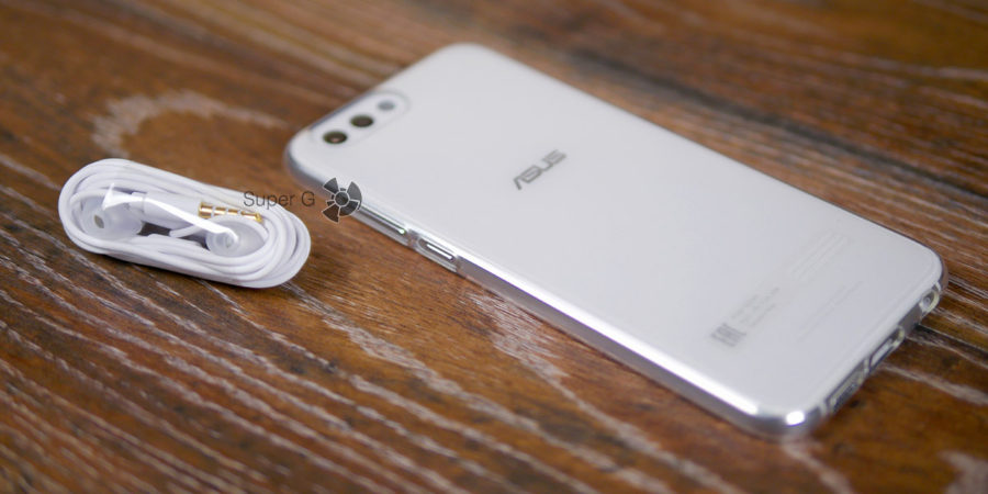 Чехол для ASUS Zenfone 4 ZE554KL из комплекта и гарнитура