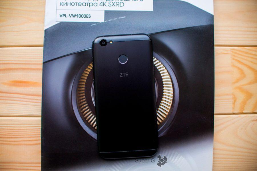 ZTE Blade A6 камера