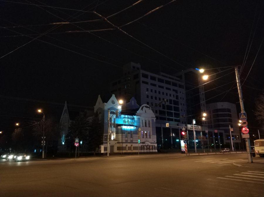 Xiaomi Mi Note 3 - фото без приближения (ночь)