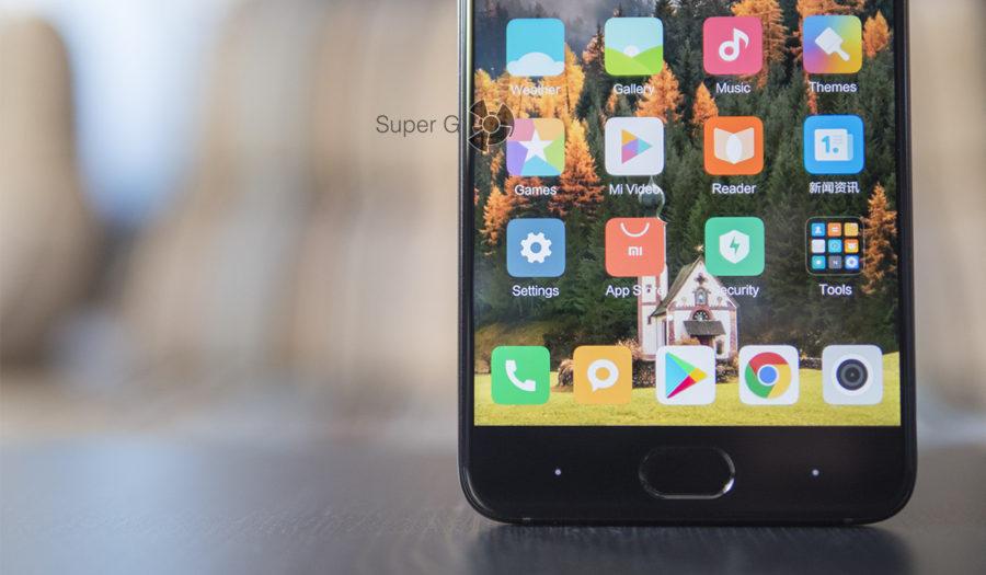 У дисплея Xiaomi Mi Note 3 минимальные рамки - 2 миллиметра примерно
