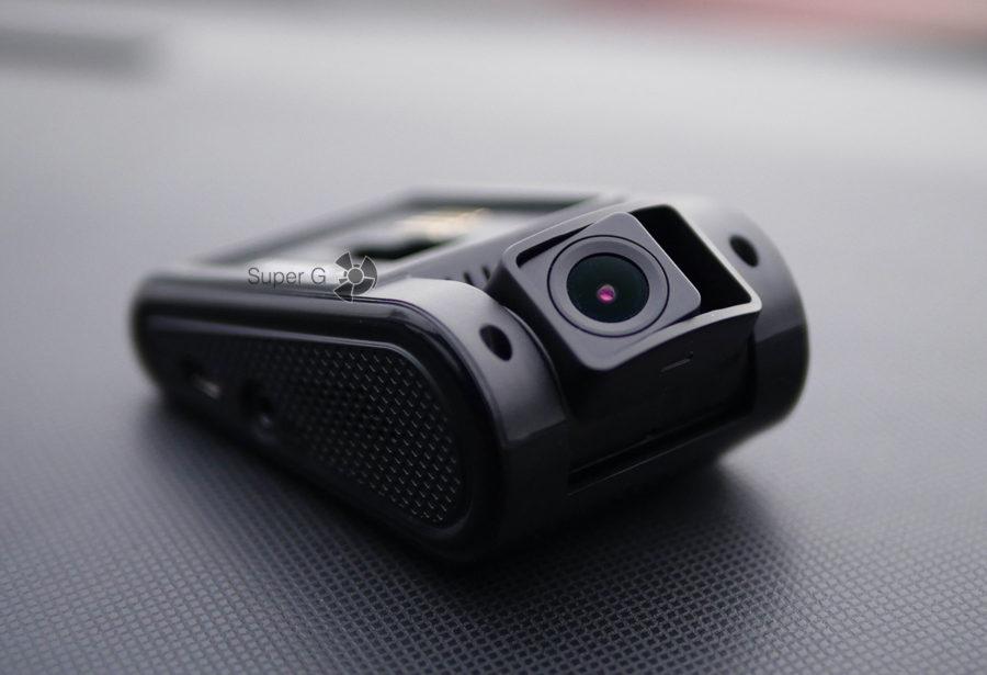 Камера Neoline G-TECH X37 наклонена