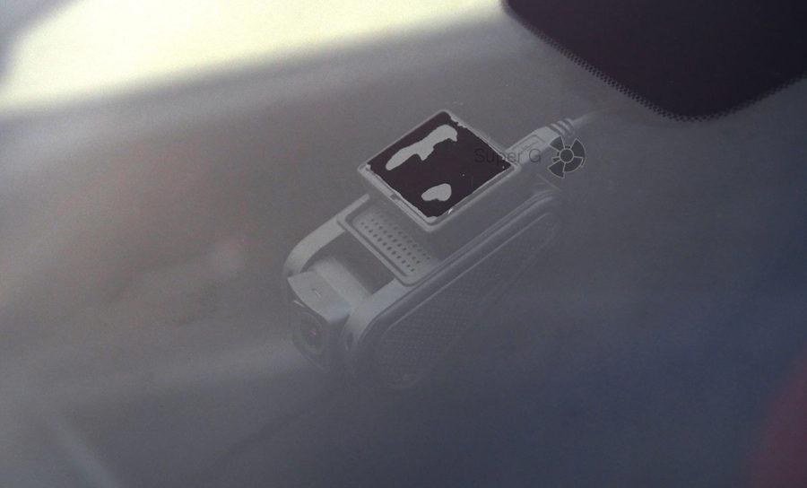 Крепление видеорегистратора Neoline G-TECH X37 к лобовому стеклу