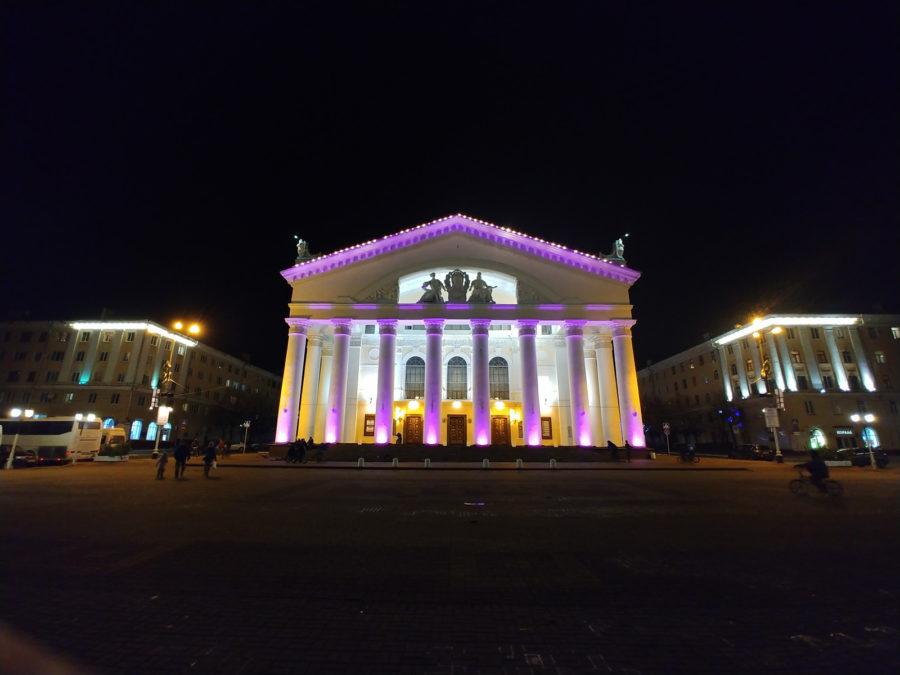 Фото снято на широкоугольную камеру LG V30+ (ночь)