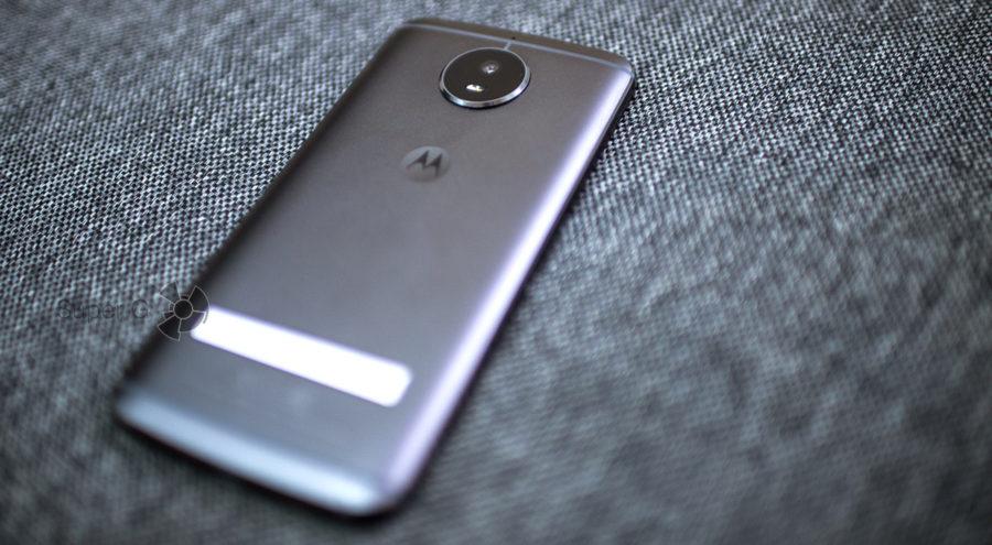 Moto G5s и выпирающая задняя камера