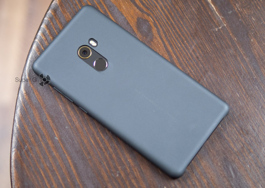 Xiaomi Mi MIX 2 чехол из комплекта