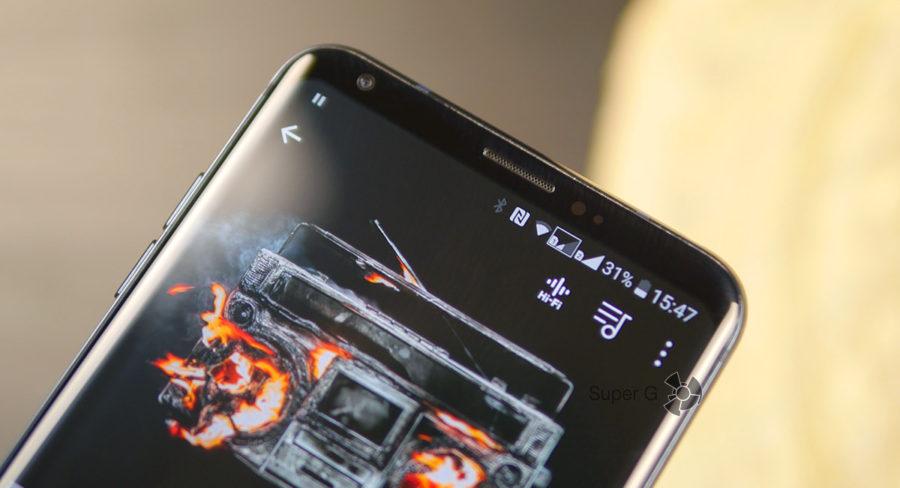 Дисплей LG V30+ аккуратно закругляется на углах