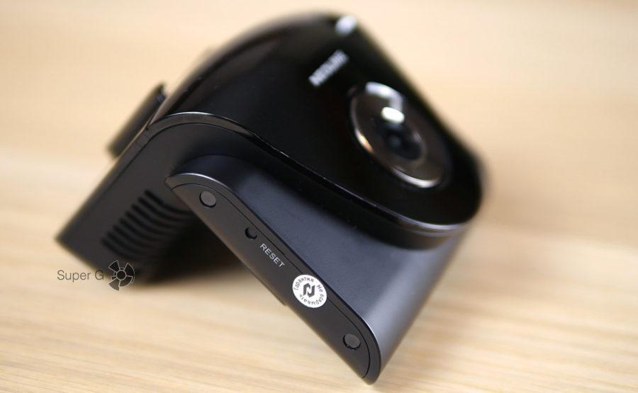 Кнопка Reset для принудительной перезагрузки гибрида Neoline X-COP 9700s
