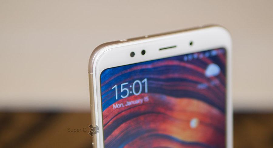 Аккуратно закруглённые углы экрана Xiaomi Redmi 5 Plus