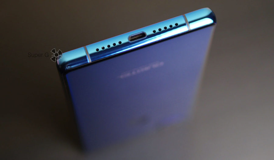 Oukitel MIX 2 имеет Micro USB порт