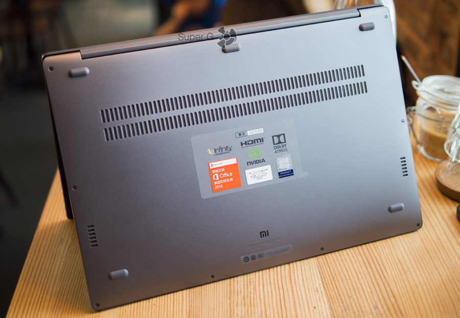 Дно ноутбука Xiaomi Mi Notebook Pro