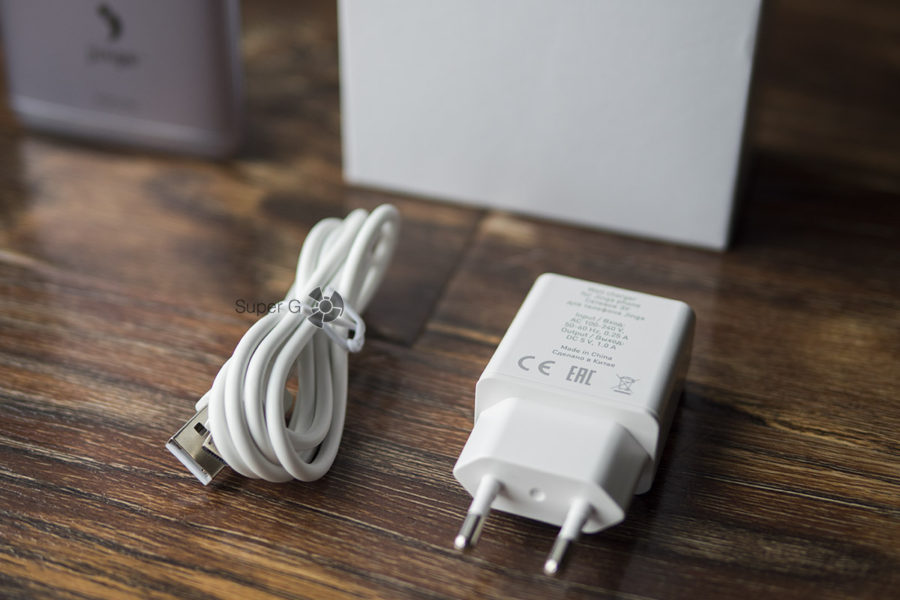 Зарядное устройство для Jinga Touch 4G (из комплекта) и кабель питания