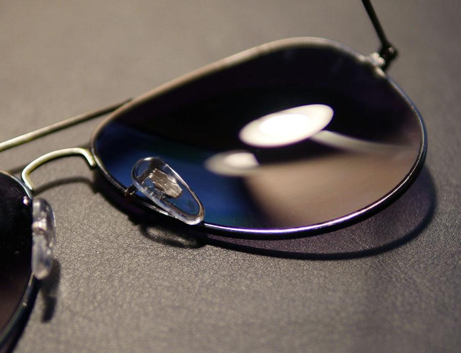 Пластиковая подушечка в обычных очках