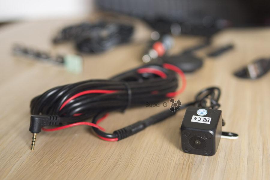 Камера заднего вида Neoline G-TECH X27 в комплекте