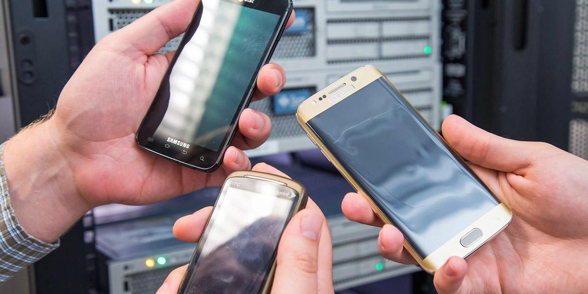 Что делать со старыми смартфонами? Искусство конечно же!