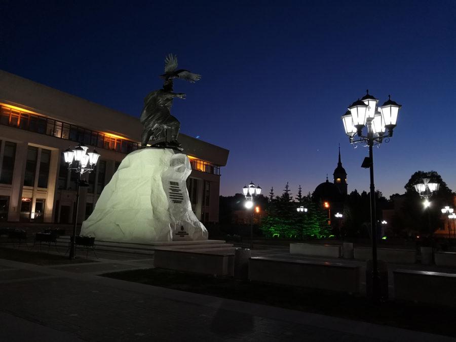 Пример ночного фото, сделанного на камеру Honor 10