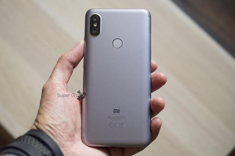 Xiaomi Redmi S2 весьма приличных размеров