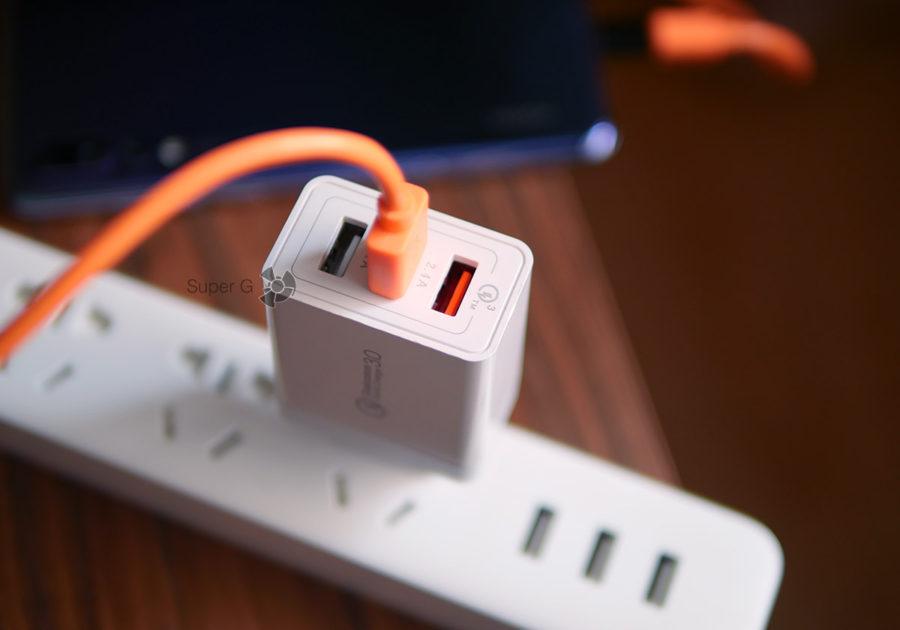 Подключение к обычному порту на 2,4 ампера (максимум)