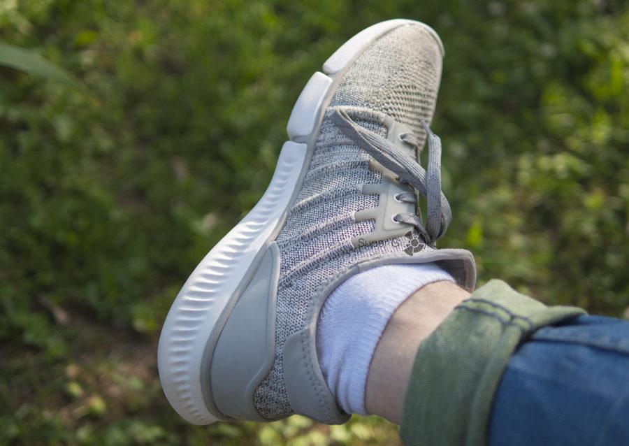 Рёбра жесткости придаёт кроссовкам Xiaomi Mi Sports Sneakers форму