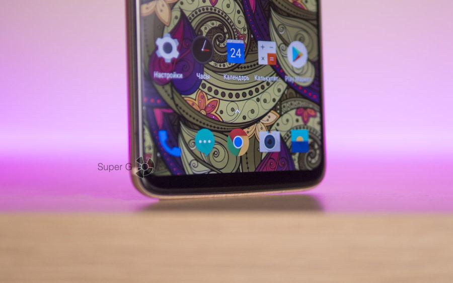 Дисплей у OnePlus 6 действительно безрамочный