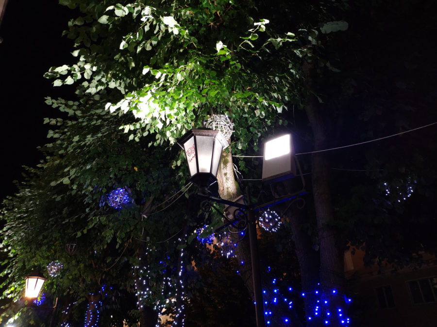 Пример ночной съёмки на камеру Xiaomi Mi8 - сравнение с Xiaomi Mi MIX 2S