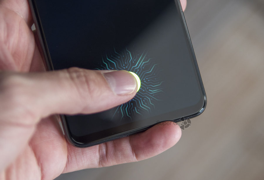 Сканер отпечатков пальцев Vivo NEX встроен прямо в дисплей