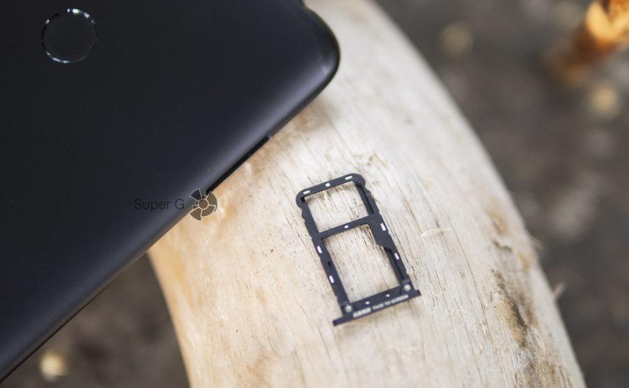 Лоток под симкарты в Xiaomi Mi Max 3 комбинированный