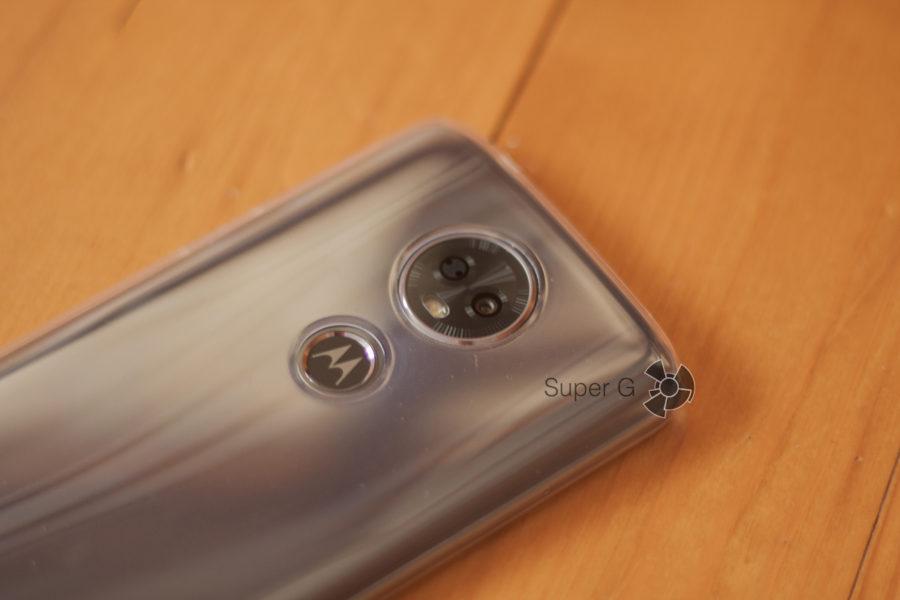 Камера Motorola E5 Plus в чехле