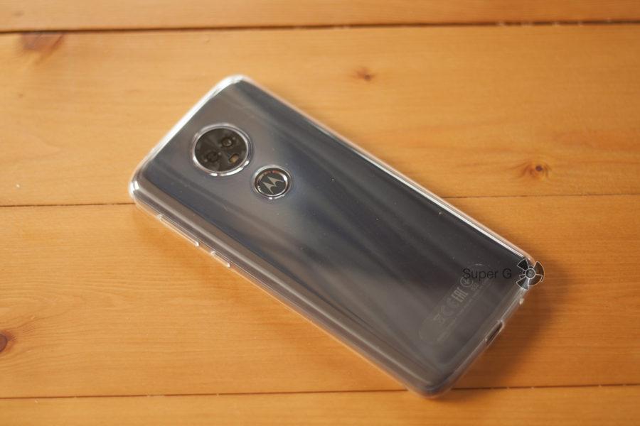 Motorola E5 Plus в чехле